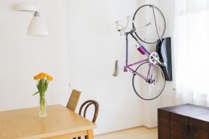 gdzie przechowywać rower wieszak